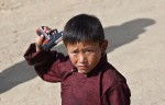 bouddhiste-enfant-pistolet-jouet_pics_809.jpg